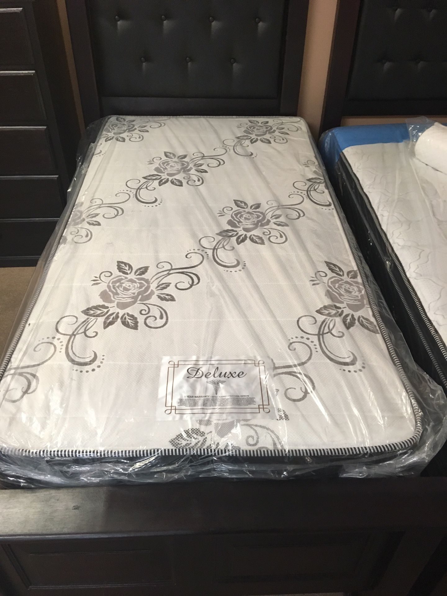 All Sizes Deluxe Mattress