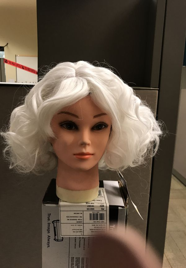 White Synthetic Hair Wig 375 Halloween Costume For Sale In Moreno
