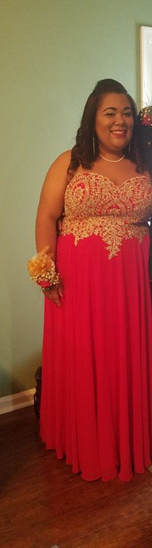 Red prom dress (Clothing & Shoes) in Virginia Beach, VA - OfferUp