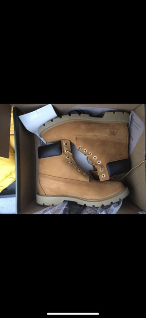 CLASSIC TIMBERLAND SIZE 8 for Sale in Baltimore, MD