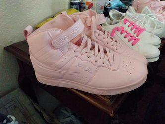 Woman's Size 10 Fila High tops Pink Thumbnail