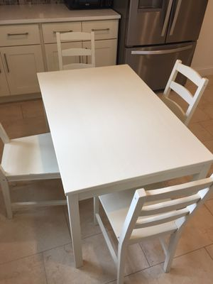Dinning table with four chair $150 for Sale in Silver Spring, MD