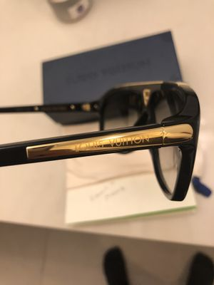 dce718091e Louis Vuitton evidence sunglasses for Sale in Austin