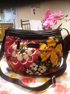 Vera Bradley purse crossbody or shoulder bag for Sale in Winchester da91bc9060735