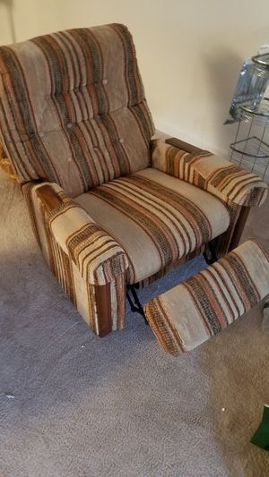 Recliner chair excellent condition for Sale in Fairfax, VA