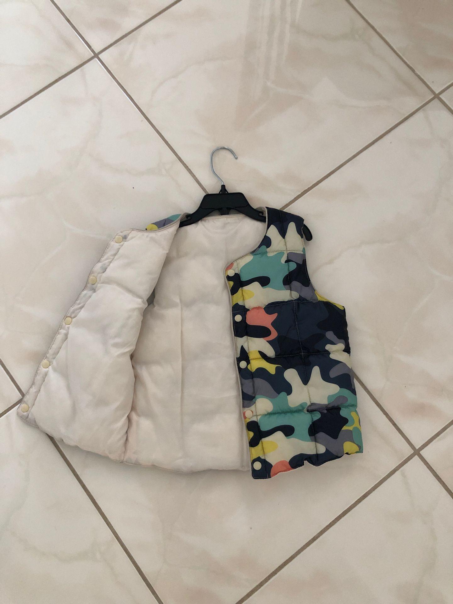Boys warm vest size 3-5T