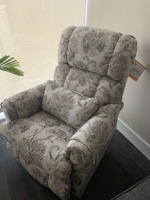 La-Z boy reclining chair (like new) for Sale in Baltimore, MD