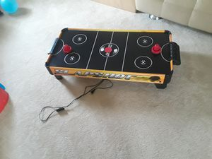 Hathaway Slapshot 40 inch Table Top Air Hockey, Gold for Sale in Sterling, VA