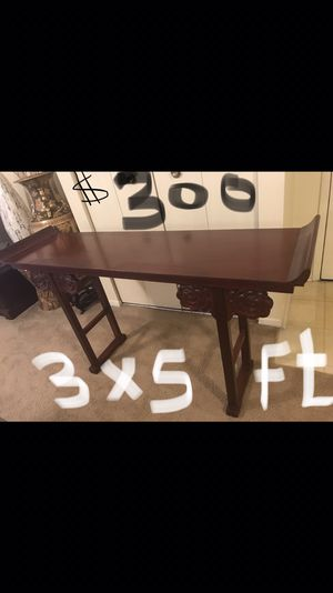 3Hx5w ft new mahogany console curved flowers legs pm me if you interested pick up in Gaithersburg md 20877 for Sale in Gaithersburg, MD