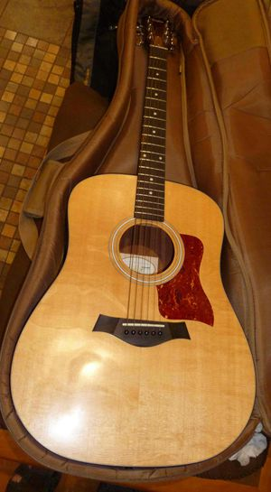 Taylor 110 Acoustic Guitar w Gig Bag Minty for Sale in Alexandria, VA