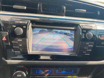 2015 Toyota Corolla Thumbnail