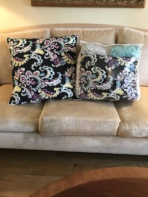 Barely used like-new pottery barn twin size comforter set for Sale in Fairfax, VA