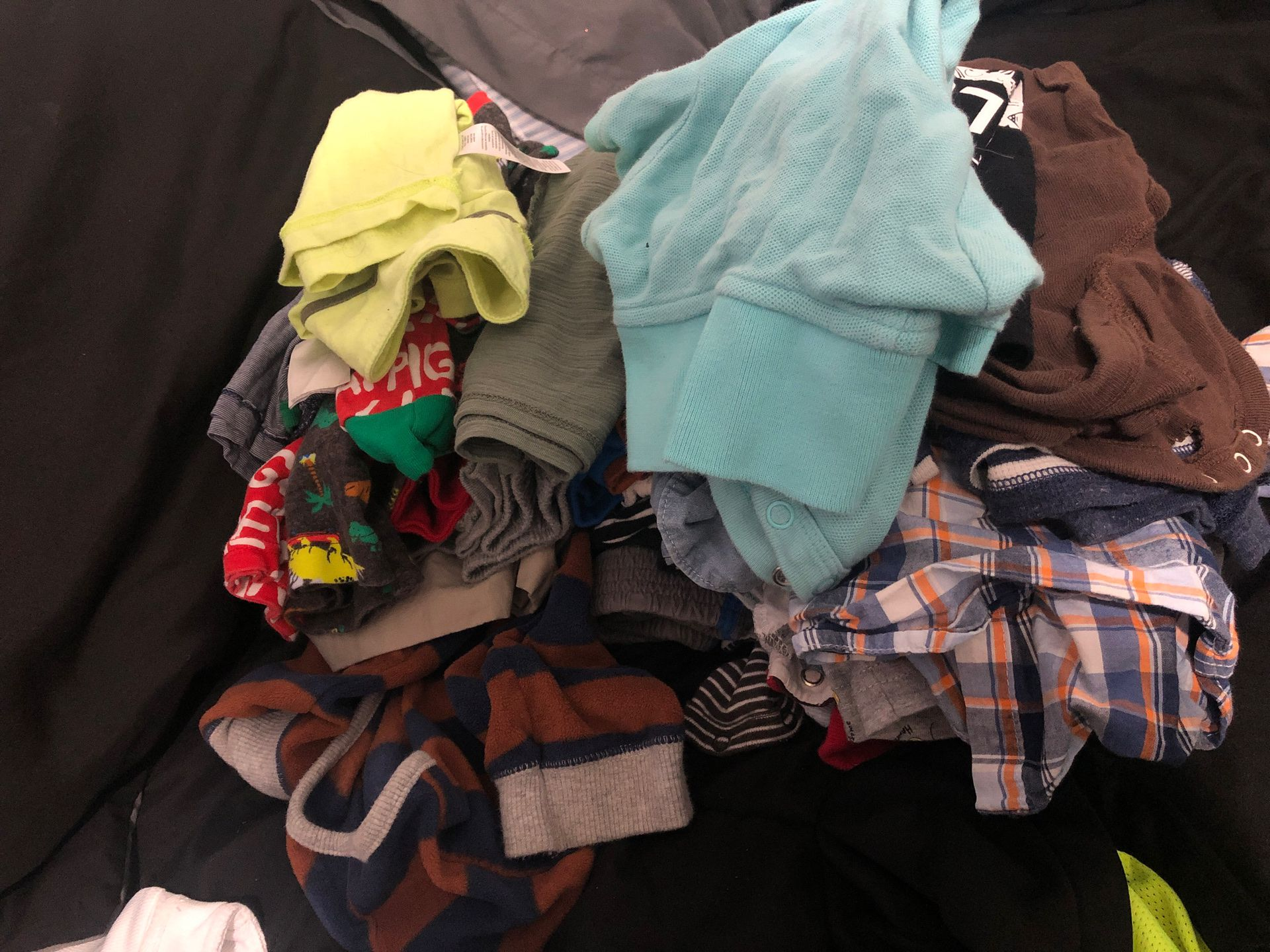 BOY BABY CLOTHES 12-24 MONTHS/ SHIRTS, POLOS, SHORTS, SWEATERS, ETC!