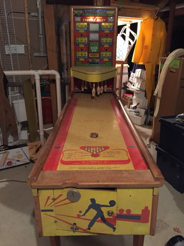 Vintage United S Clover Shuffle Alley 1953 Bowling Machine