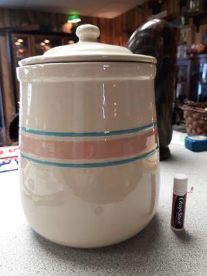 Photo Vintage McCoy Cookie Jar with lid