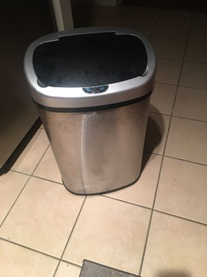 Trash can automatically opens and closes for Sale in Fairfax, VA
