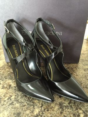Black Pointy Shoe- Size 8-New with box. Never worn! for Sale in Miami, FL