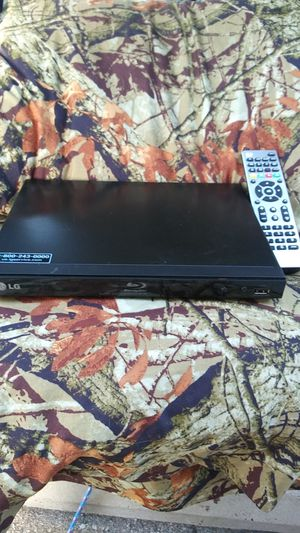 0c9d9ac3643 New LG Blu-ray player with brand new universal remote. for Sale in Wichita