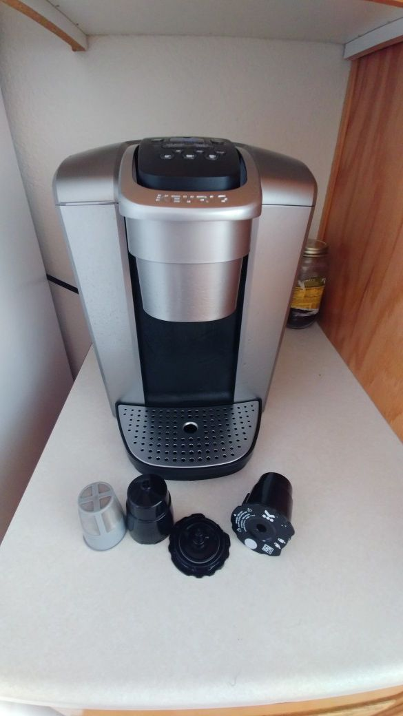 Keurig K-Elite Brushed Silver (Newest Model Keurig) for Sale in Tacoma, WA  - OfferUp