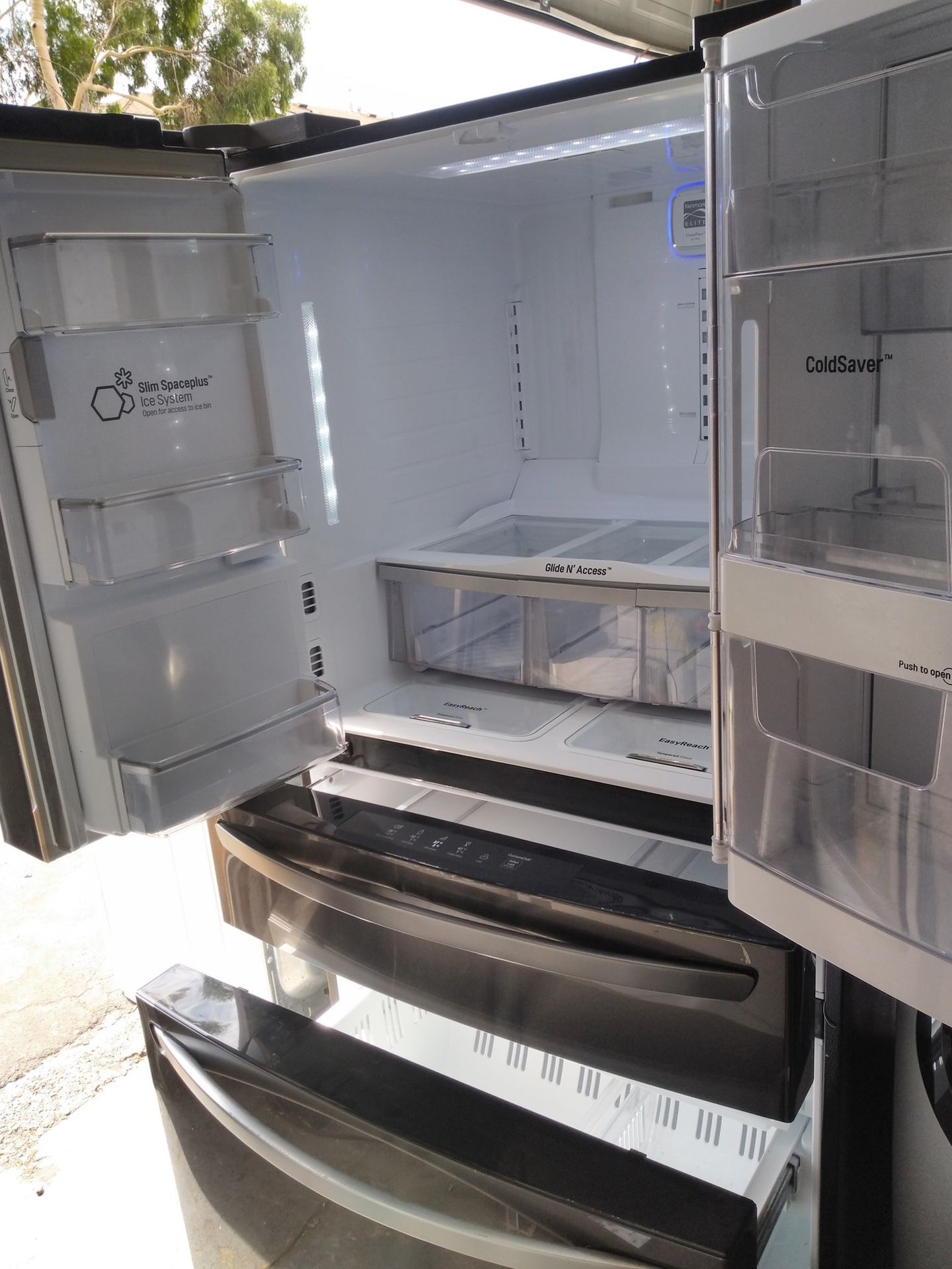 LG 4 Door Fridge Black Stainless Steel with water and ice dispenser ready to go with warranty. Custom chill drawer