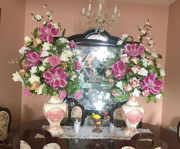 Large faux flower centerpieces artificial flower home decor wedding large faux flower centerpieces artificial flower home decor wedding decorations for sale in brooklyn ny offerup junglespirit Choice Image