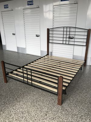 Queen bed frame for Sale in Bowie, MD