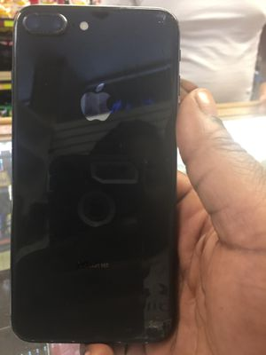 8 plus cracked back unlocked for Sale in Garfield Heights, OH