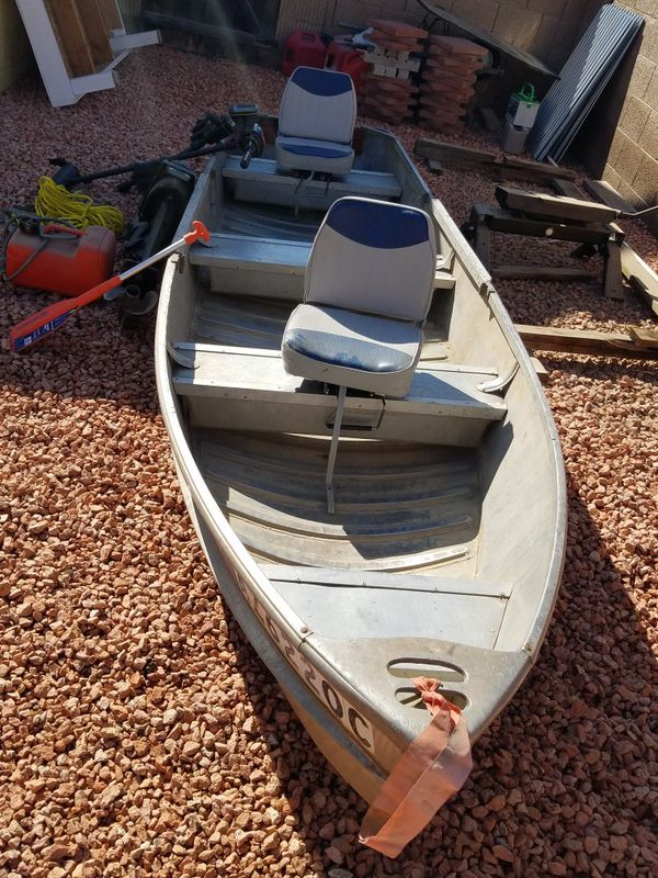 14 ft aluminum boat with all the accessories for Sale in Glendale, AZ -  OfferUp