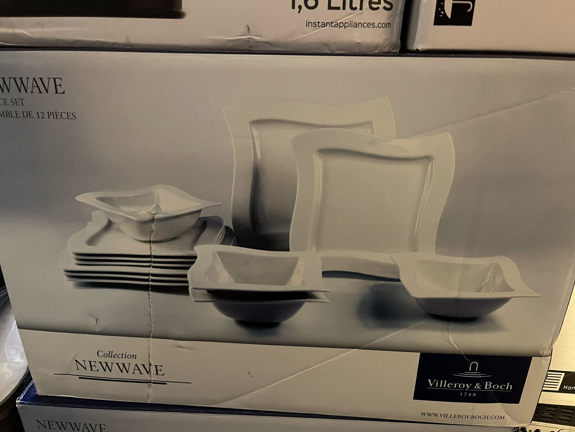 Villeroy & Boch *NEW WAVE Dinnerware Set, 12-Pieces
