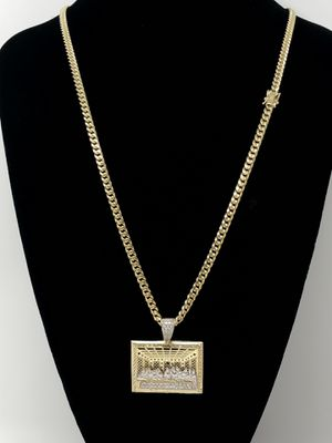 REAL GOLD💫 Miami Cuban Link 4x26 and Last Supper Charm for Sale in Kissimmee, FL