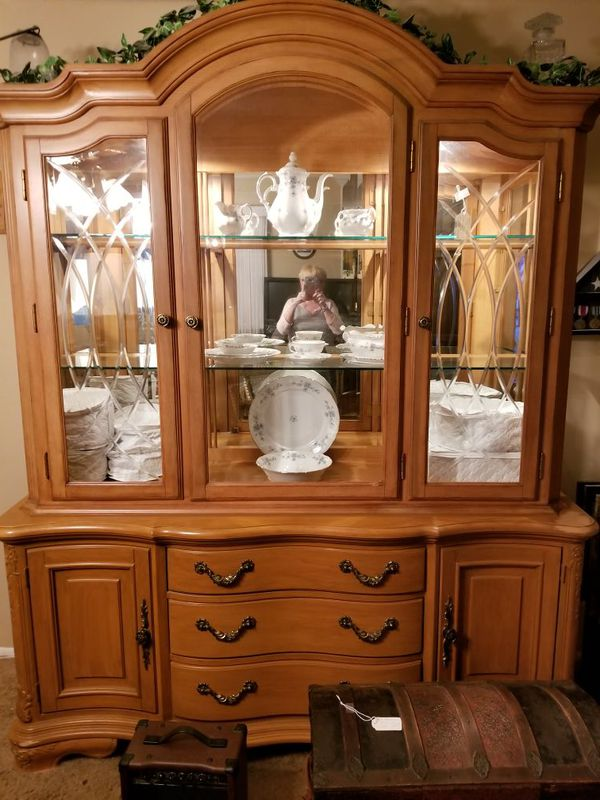 Kitchen Furniture Company: Rivers Edge Furniture Company, Lighted China Cabinet, Top