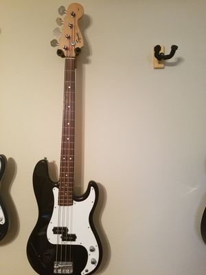 Fender Squier P Bass electric guitar for Sale in Davenport, FL