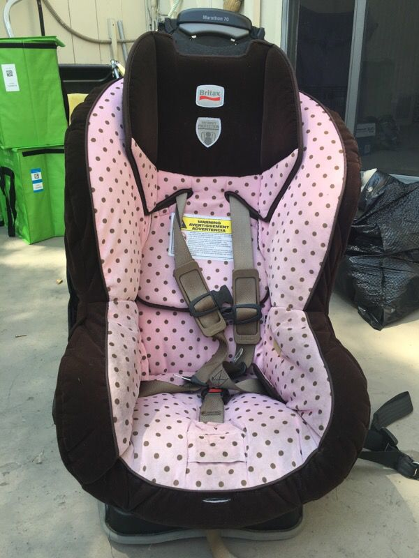 britax marathon 70 car seat pink with brown polka dots baby kids in san diego ca offerup. Black Bedroom Furniture Sets. Home Design Ideas