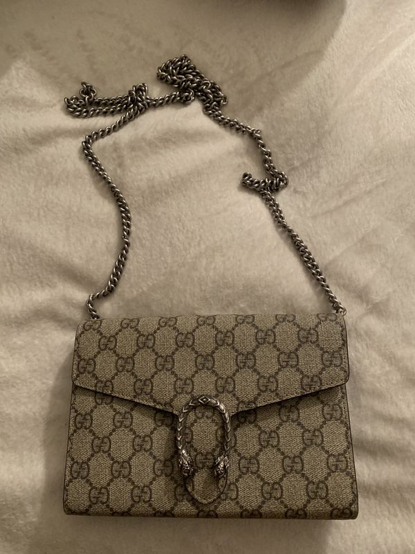 7463bef432e8 Gucci Dionysus GG Supreme Mini Chain Bag for Sale in Long Beach, CA ...