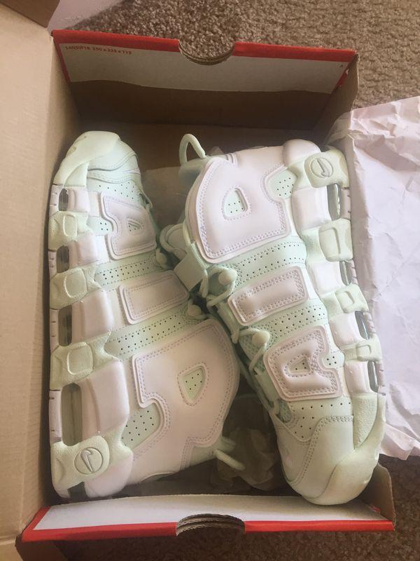 sneakers for cheap 7eca0 4e03f WOMENS Nike Air More Uptempo