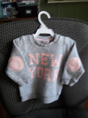 """H&M """"NY"""" sweater for Sale in Philadelphia, PA"""