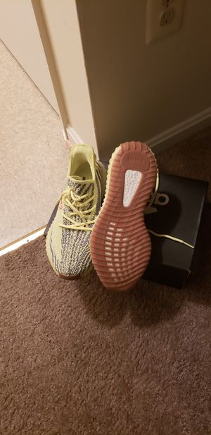 Yeezy 350 frozen yellow for Sale in Silver Spring, MD