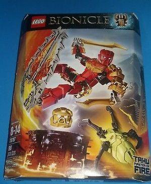 NIB 70787 Lego Tahu Master Of Fire Bionicle Golden Mask Swords Blades RETIRED for Sale in Las Vegas, NV