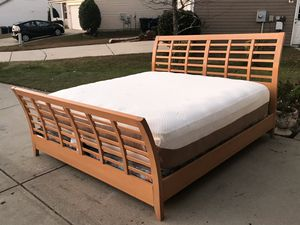 Beautiful King Sleigh Size Bed. Comes with Everything in the picture. Great condition. Delivery available. Hablar Espanol for Sale in Raleigh, NC