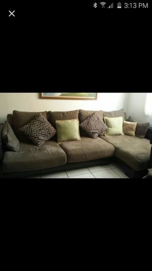 Sectional comfy couch for Sale in Hialeah, FL