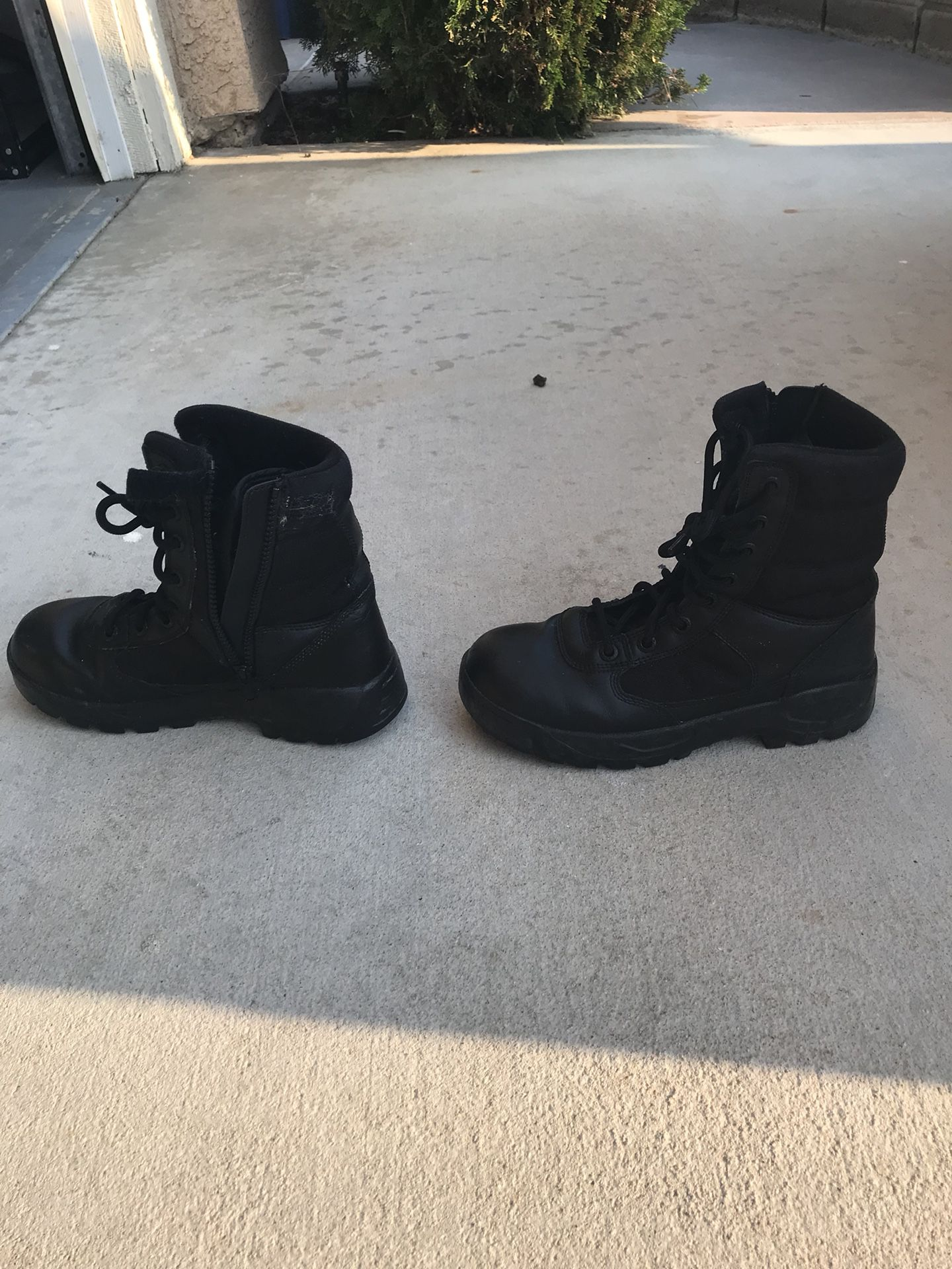 Tactical Boots size 8.5 mens/ 10.5 womens