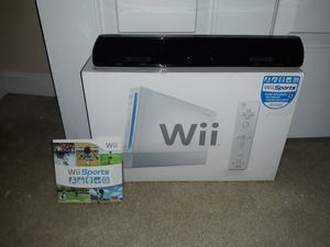 Complete in box White Wii with wireless wii sensor and wii sports for Sale in Frederick, MD
