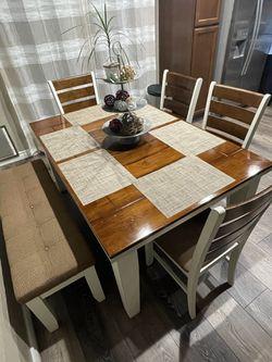 Kitchen Table Set Thumbnail
