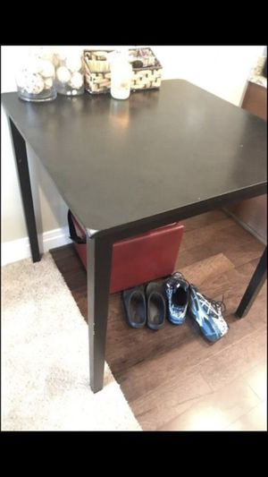 "High 42"" table. for Sale in Columbus, OH"