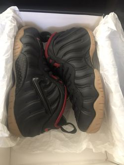 Gucci foamposite size 8.5 very nice shoes asking 350$ serious buyer only Thumbnail