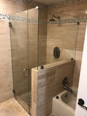 Shower Door!!! for Sale in North Miami Beach, FL - OfferUp