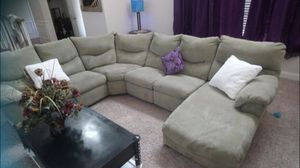 Huge gray sectional couch for Sale in Atlanta, GA