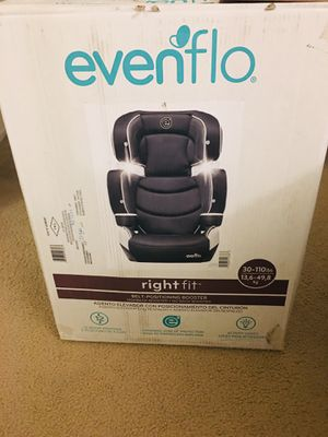 New 2 in 1 black and white car seat and booster for Sale in Pacifica, CA