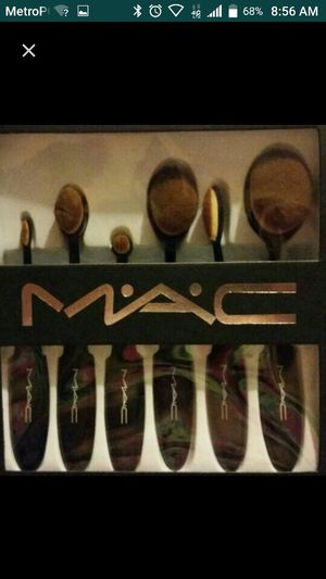 Mac makeup brushes for Sale in Lake Worth, FL