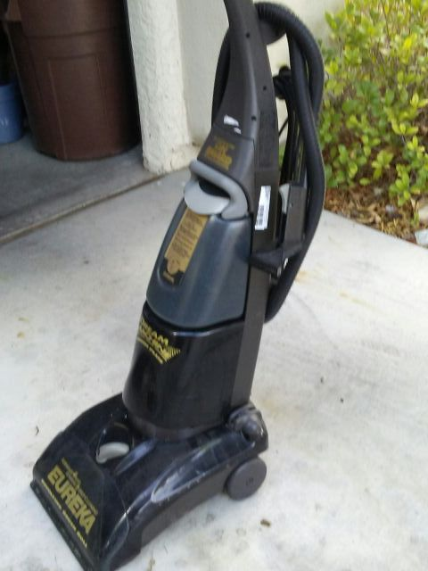 Eureka Dream Machine Brush Plus Carpet Cleaner for Sale in ...